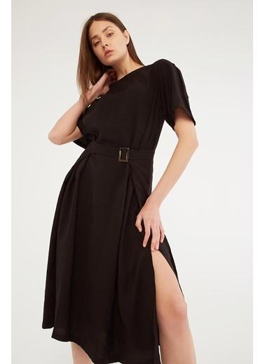 Modaset Modaset Kuşaklı Uzun YırtmaÇlı Kadın Elbise Siyah